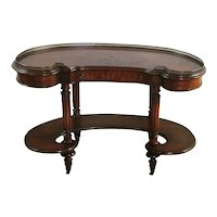 English Edwardian Kidney shaped Desk.