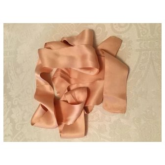 Fabulous Silky Tie for Large Doll