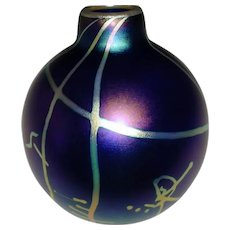 Early 1980 Outstanding Signed Steven V. Correia Modern Studio Art Glass Vase Titled Abstractions In Iridescence w/ Full Artist Signature!
