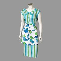 Vintage 1960s Novelty Print Veggies Apron White Blues Greens