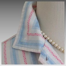 Vintage 1950s Fresh Pink and Blue on White Woven Cotton Blouse VLV S