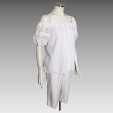 Vintage 1960s White Cotton Peasant Top with Floral Lace Trim by Kerrybrooke M L