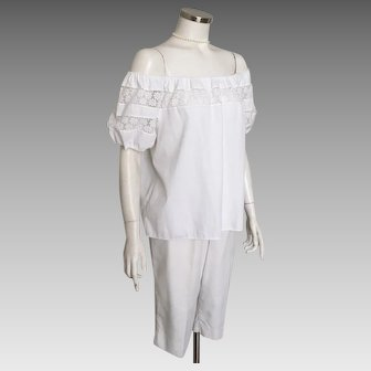 Vintage 1960s White Cotton Peasant Top with Floral Lace Trim by Kerrybrooke M L