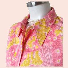 Vintage 1960s Vera Ladybug Bright Floral Print Blouse Daisies Pink M L
