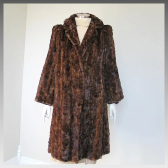 Vintage 1940s Marmot Fur Coat Bell Sleeve Wing Collar Padded Shoulders M