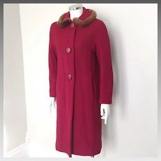 Vintage 1960s Cranberry Thick Textured Red Wool Coat with Brown Faux Fur Trimmed Collar S M
