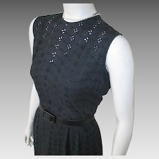 Vintage 1960s Black Eyelet Sleeveless Summer Sheath Dress M