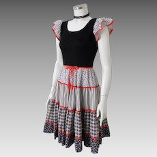 Vintage 1970s Black and White Calico Print with Red Trim Peasant Prairie Country Dress S M
