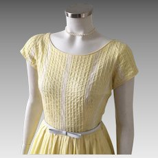Vintage 1960s Light Yellow Spring Fit and Flare Dress with Wide Neckline and White Lace Trim S