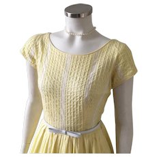 Vintage 1960s Pastel Yellow Spring Fit and Flare Dress with Wide Neckline and White Lace Trim S