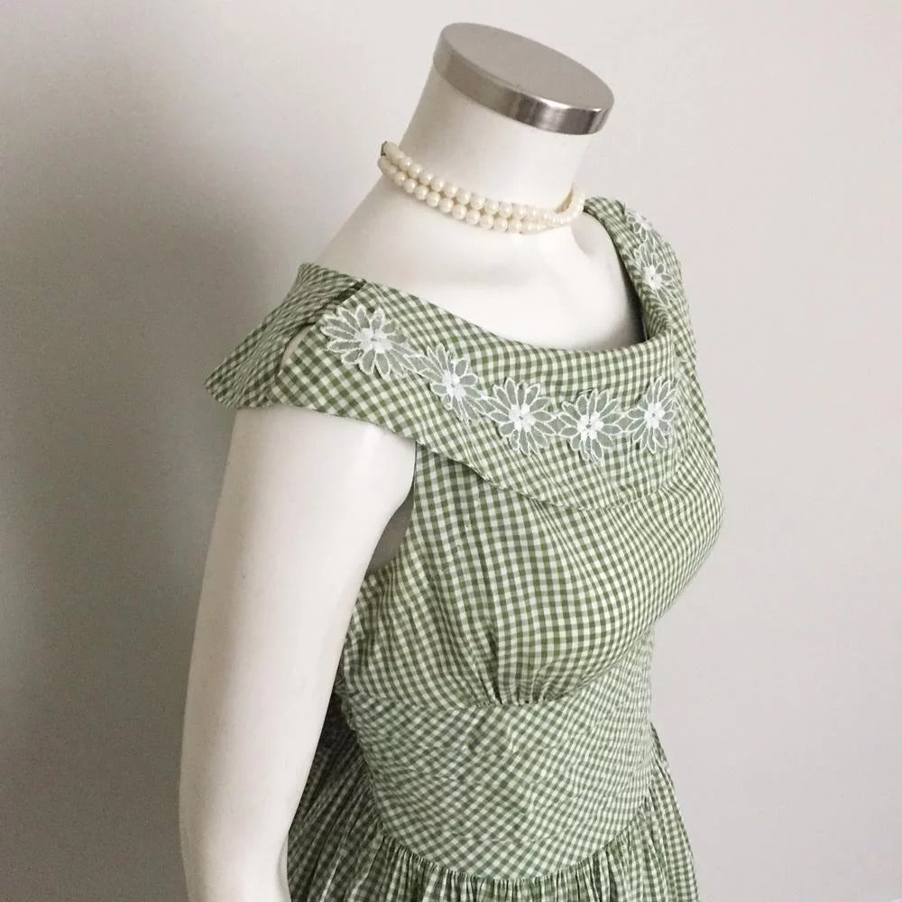 92c717563 Vintage 1960s Olive Green and White Gingham Day Dress Vicky Vaughn Jr : The  Vintage Merchant | Ruby Lane