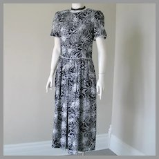 Vintage 1980s Black and White Floral Print Cotton Day Office Dress with White Piping by Lanz M