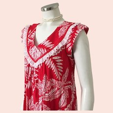 Vintage 1970s Red and White Floral Print Aloha Muu Muu Dress by  Andrade of Honolulu M