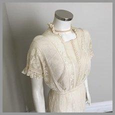 Creamy White Antique Filet Lace Tea Dress Wedding Dress 1917 to 1919 M