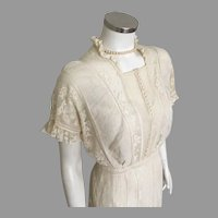Creamy White Antique Filet Lace Tea Dress Wedding Dress 1917 to 1919 M