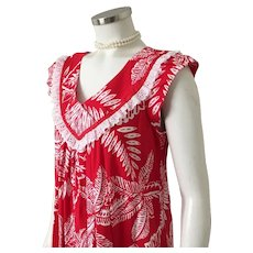 Vintage 1970s Red and White Floral Print Aloha Muu Muu Dress by  Andrade of Honolulu M