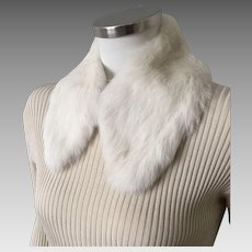 Vintage 1950s White Rabbit Fur Collar