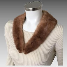 Vintage 1950s 1960s Dirty Blonde Light Brunette V Neck Mink Fur Collar