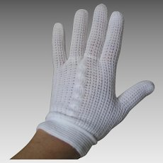 Vintage 1960s White Knit Matinee Cafe Short Day Gloves