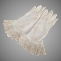 Vintage 1950s Sheer Creamy White Gloves with Embroidered Eyelet Ruffled Hems