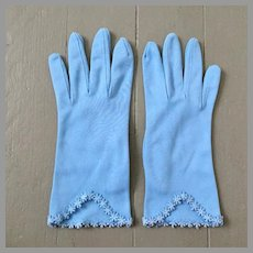 Vintage 1960s Sky Blue Cafe Gloves with Embroidered Flower Hems S