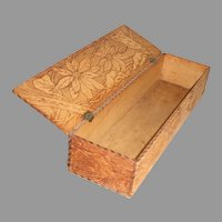 Victorian Pyrography Poinsettia Glove Trinket Dresser Vanity Wood Box