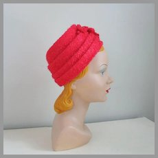 Vintage 1960s Poppy Red Tiered Flower Pot Hat of Novelty Frizzy Cello Fiber