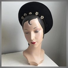 Vintage 1930s Off The Face Black Wool Felt Hat with Crochet Trim by Jacoll of England