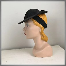 Vintage 1930s Early 1940s Small Black Straw Tilt Sloper Hat with Braid Band Strap