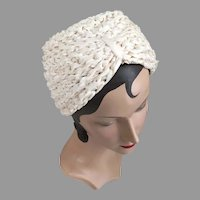 1930s Vintage Creamy White Woven Ribbon and Cello Turban Hat