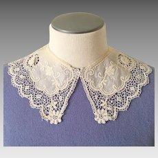 Vintage Ecru Cream Crochet Lace and Applique Collar