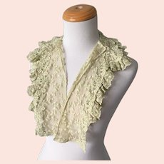 Vintage 1930s Pale Chartreuse Embroidered Net Lace Collar Dickie
