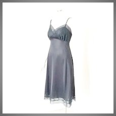 Vintage 1950s Black Suavette Nylon and Lace Van Raalte Full Slip S M