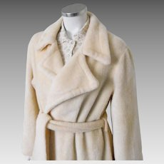 Vintage 1970 1980s Creamy Beige Fluffy Plush Wrap Robe with Huge Notched Collar and Self Belt XL