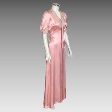Vintage 1930s Peach Satin Dressing Gown Lounger with Ecru Floral Lace Trim M