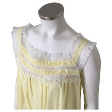 Vintage 1960s Square Neckline Sunny Yellow Nightie with White Lace Trim M Lynne by Barbizon