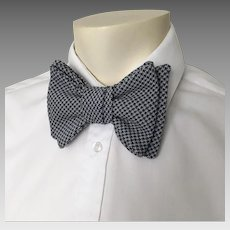 Vintage 1970s Navy Blue & White Houndstooth Double Bow Tie