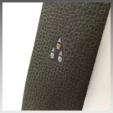 Vintage 1960s Dark Avocado Green Black Textured Reptile Weave Necktie Neck Tie with Embroidered Accents