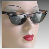 Vintage 1950s 1960s Tortoise Shell Look Cat Eye Sunglasses