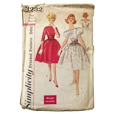 Vintage 1960s Sewing Pattern by Simplicity 3232 Fit and Flare Party Dress