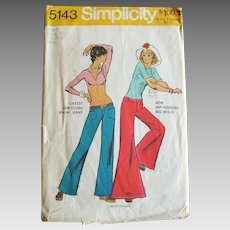 Vintage 1972 Bell Bottom Bikini Jeans and Hip-Hugger Wide Leg Jeans Sewing Pattern Simplicity 5143