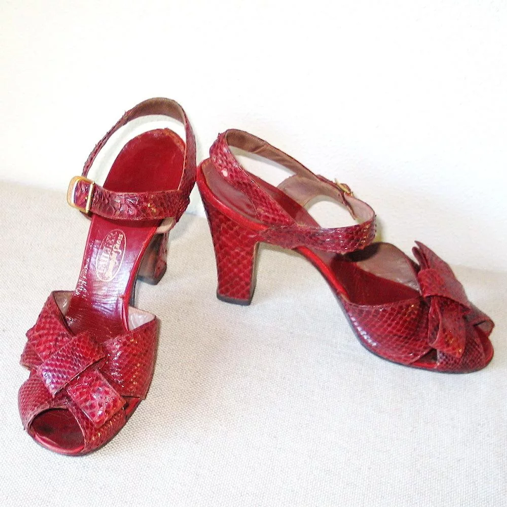 fec4e4e69400a Vintage 1940s Crimson Red Reptile Peep Toe High Heel Shoes