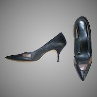 Vintage 1960s Matte Black and Brown Two Tone High Heels Shoes with Pointy Toes