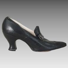 Vintage Late Teens Early 1920s Pointy Toed Black Shoes Pumps Heels