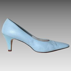 Vintage 1960s Sky Blue Heels Shoes Pumps by Smartaire 7B