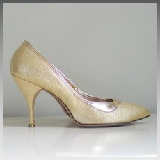 Vintage 1950s 1960s Gold Pointy Toe High Heels Cocktail Party Shoes Stilletos
