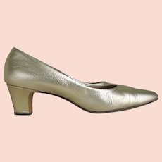 Authentic Vintage 1960s Gold Metallic Faux Leather Pumps Heels Shoes Miss America 8B AA
