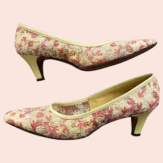 Vintage 1960s Orange Yellow Tan Sheer Embroidered Mesh Pumps by Cosmopolitans