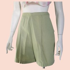 Vintage 1960s Sage Green Cotton Shorts M Summer
