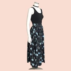 Vintage 1970s Black with Blue Asters Flowers Novelty Print Maxi Skirt M L